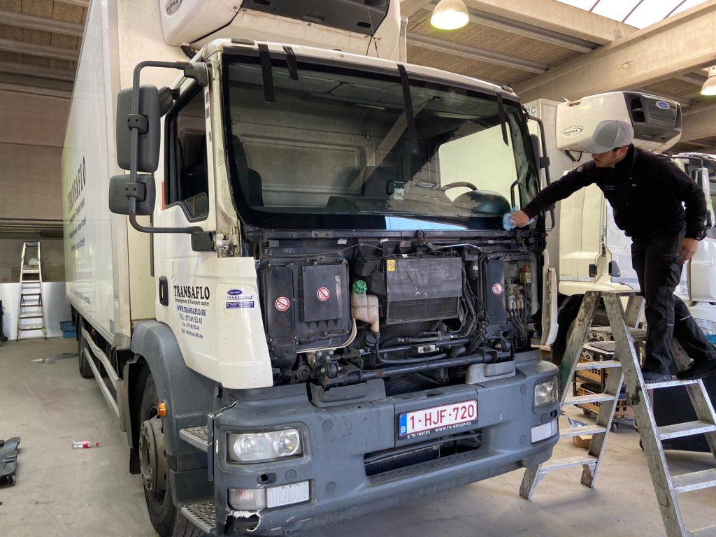Remplacement pare-brise camion